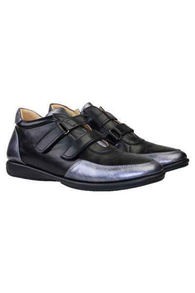 Velcro Comfort Sneaker By Relax In Black