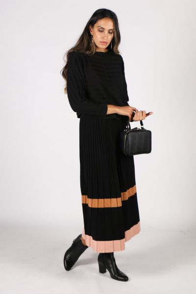 POL Pleated Maple Knit Skirt In Black