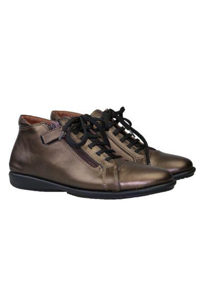 Comfort Sneaker By Relax In Bronze