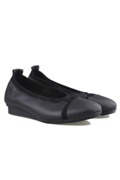 Arche Ninago Flat In Black