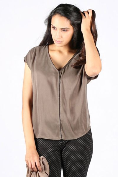 Drop Sleeve Top By Yaya In Olive