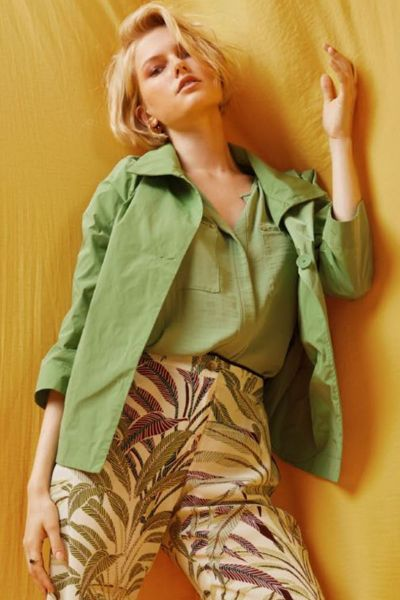 Andamio Jackie O Cropped Jacket In Green