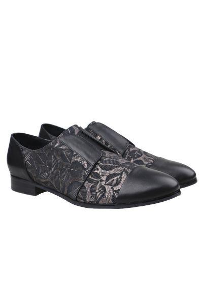Gamins Junta Shoe In Black
