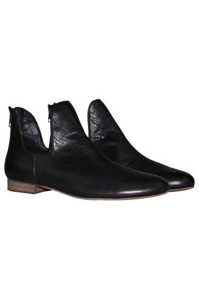 Gonow Boot By Djano & Juliette In Black