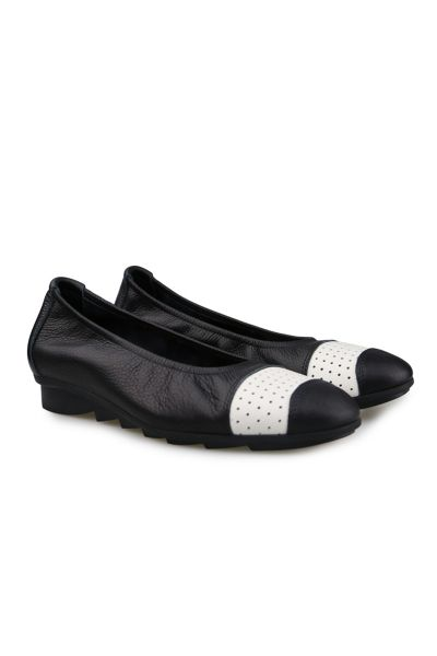 Arche Bilana Flat In Black