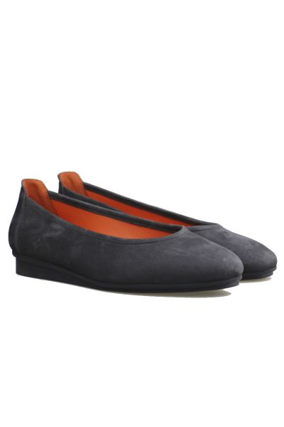 Arche Ninosk Flat In Grey