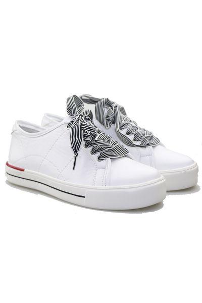 Ashleen Sneaker By Ziera In White